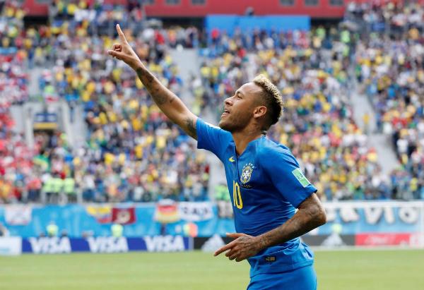 Neymar là tâm điểm trận đấu. Ảnh: Reuters.