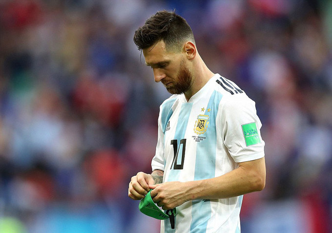 Niềm vui và khoảnh khắc sụp đổ của Messi