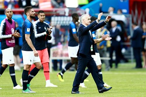 Pháp xếp nhất bảng đấu của họ, nhưng chưa trình diễn được lối chơi thuyết phục người hâm mộ.