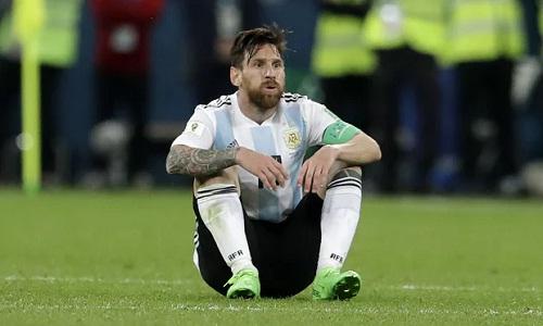 Messi và đồng đội đứng trước thử thách khó khăn khi chạm trán tuyển Pháp ở vòng 1/8. Ảnh: AP.