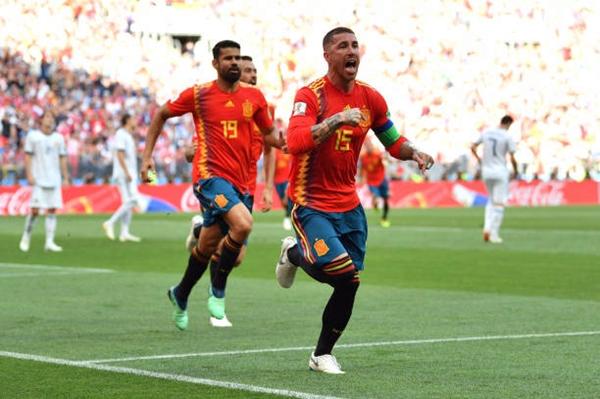 Niềm vui của Ramos cùng đồng đội. Ảnh: Reuters.