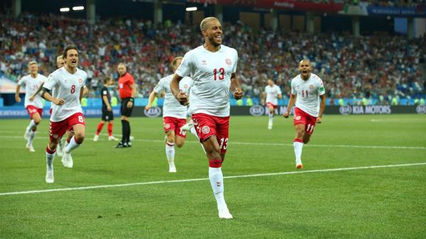 Joergensen ghi bàn mở tỷ số cho Đan Mạch...