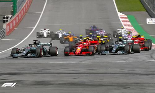 Raikkonen đề-pa xuất sắc, và phá thế thống trị của hai tay đua Mercedes ở hai vị trí đầu.