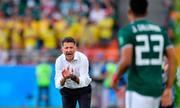 HLV Carlos Osorio - Kẻ nhòm trộm trước ngưỡng cửa lịch sử
