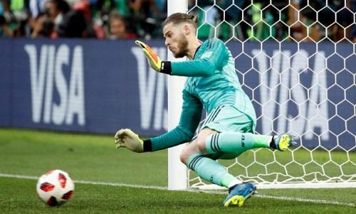 De Gea không thể cản bất kỳ cú đá nào của cầu thủ Nga trongloạtluân lưu. Ảnh: Reuters.