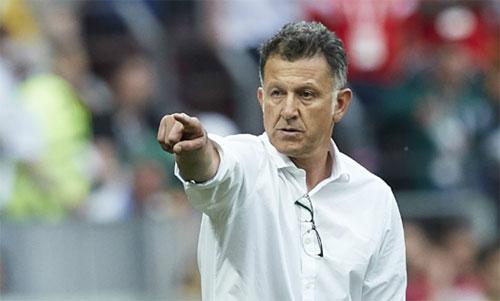 Osorio là một HLV giàu kinh nghiệm với bóng đá Nam Mỹ. Ảnh: Reuters