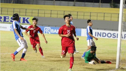 Các cầu thủ trẻ của Việt Nam trải qua giải đấu đáng thất vọng. Ảnh: VFF.