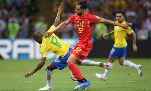 Chadli (áo đỏ) và đồng đội mới có chiến thắng thuyết phục trước Brazil. Ảnh: Reuters