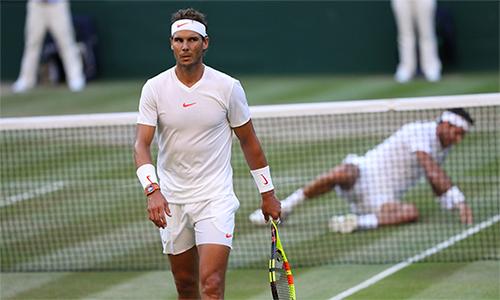 Cuộc chiến thể lực kết thúc với phần thắng nghiêng về Nadal.