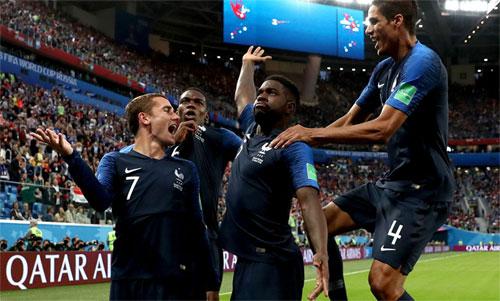 Pháp đang có lợi thế để lần thứ hai đăng quang. Ảnh: Reuters