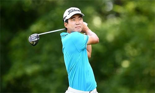 Michael Kim giữ đỉnh bảng với điểm -16 sau 35 hố. Đây là khởi đầu ấn tượng nhất của golfer gốc Hàn Quốc trong mùa giải năm nay. Ảnh: AFP.