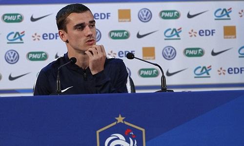 Griezmann muốn Courtois xem lại lối chơi ở Chelsea trước khi chỉ trích tuyển Pháp. Ảnh: EPA.