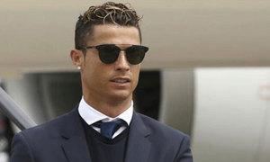 Bộ Tài chính Tây Ban Nha dọa bắt Ronaldo tại Italy