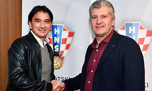 Dalic (trái) nhận lời với LĐBĐ Croatialúc đội nhà đang nguy khốn, nhưng dần dà đưa tập thể dưới trướng làm nên kỳ tích lớn nhất lịch sử bóng đá nước nhà.