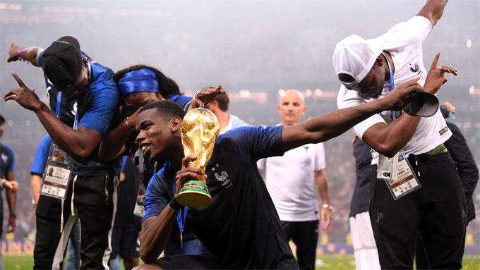 Pháp là đội trẻ thứ nhì vô địch World Cup