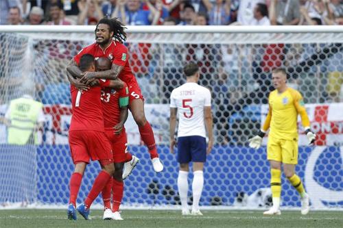 Những đội bóng yếu như Panama cũng chơi tấn công tận hiến để tìm kiếm bàn thắng.