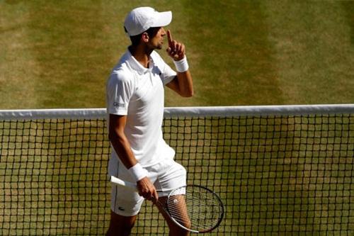 Djokovic có 13 năm liên tiếp đoạt ít nhất một danh hiệu trong năm. Ảnh: Reuters.