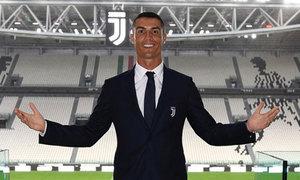 Lời chào tiếng Italy đầu tiên của Ronaldo nhận được hàng triệu like