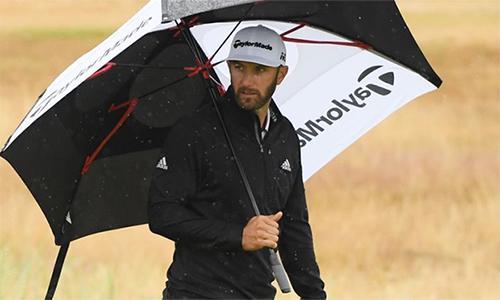 Johnson có vòng golf tệ hại vì quá nhiều sai lầm. Ảnh: Sky Sports.