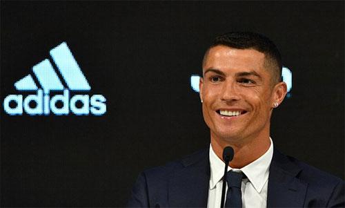 Ronaldo sẽ không còn phải bận tâm về những vấn đề tại Tây Ban Nha. Ảnh: Reuters