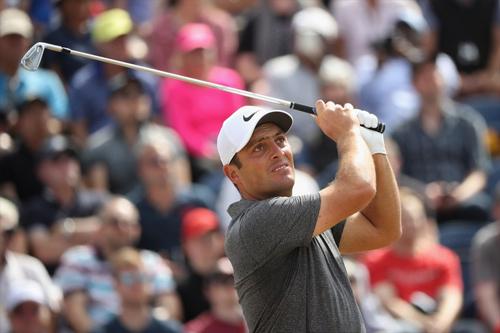 Molinari dự định giải nghệ năm 2020 nhưng có lẽ sẽ thay đổi kế hoạch sau chức vô địch The Open 2018  major đầu tay trong sự nghiệp đã kéo dài 14 năm. Ảnh: Golfdigest.