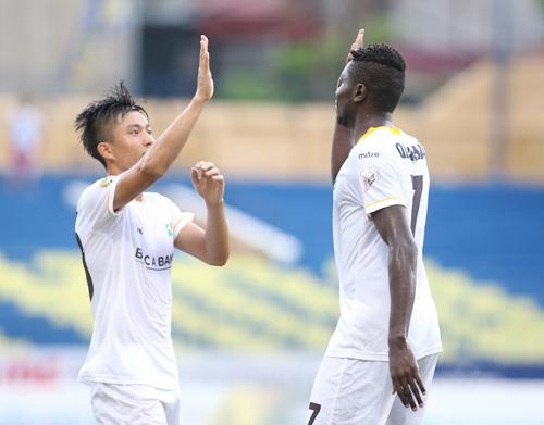 SLNA đang có phong độ cao với 9 chiến thắng liên tiếp ở V-League và Cup Quốc gia. Ảnh: Lâm Thỏa