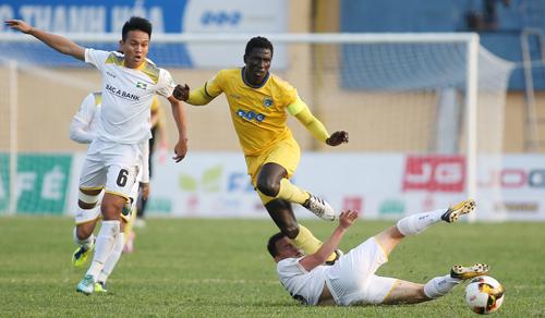 SLNA khát khao trả món nợ thua Thanh Hóa 0-1 ở lượt đi V-League 2018. Ảnh: Lâm Thỏa