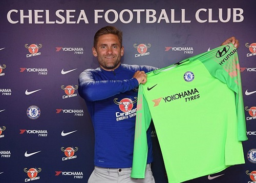 Green ra mắt đội bóng mới Chelsea. Ảnh: PA.