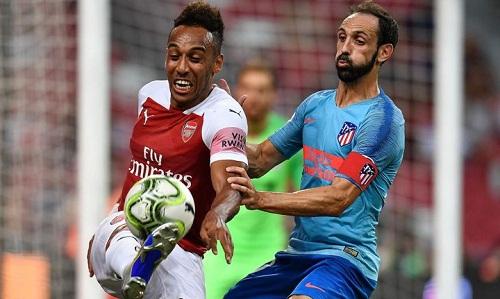 Arsenal tạo ra nhiều cơ hội trong hiệp một nhưng không thể tận dụng. Ảnh: Reuters.
