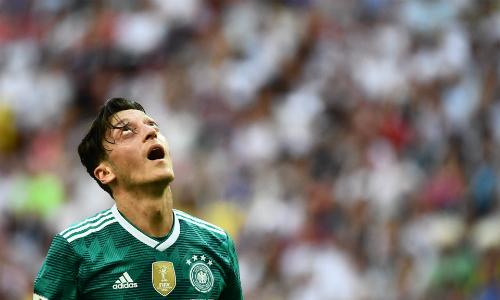 Ozil tiếp tục bị lãnh đạo bóng đá Đức chỉ trích. Ảnh: AFP.