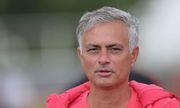 Phó Chủ tịch Man Utd sang Mỹ để xoa dịu Mourinho