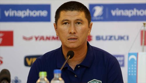 HLV Nuraliev Dilshod hy vọng trận tái đấu với Việt Nam sẽ mang lại nhiều điều bổ ích. Ảnh: Lâm Thỏa.