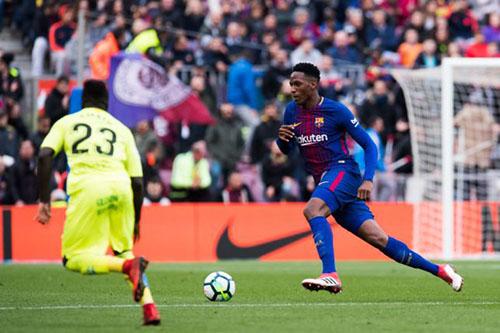 Mina được Barca đồng ý cho ra đi. Ảnh: Reuters.
