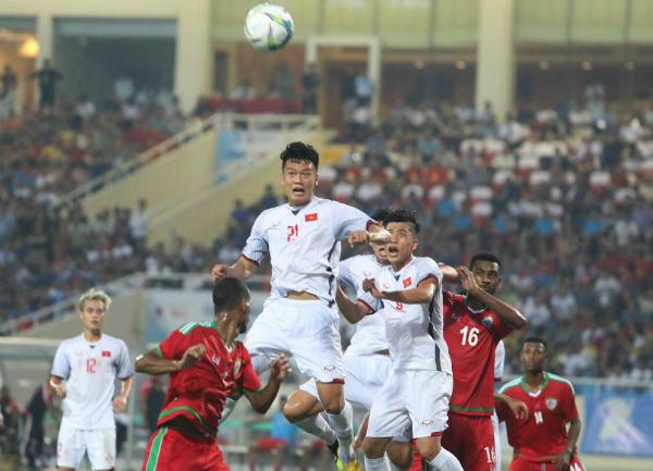 Olympic Việt nam có nhiều cơ hội ngon ăn hơn hẳn Oman. Ảnh: Ngọc Thành.