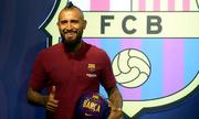 Vidal muốn 'vơ vét' mọi danh hiệu cùng Barca