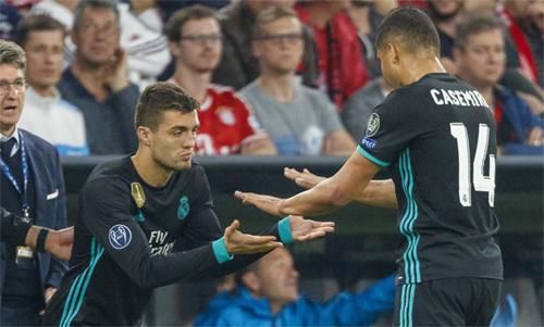 Kovacic không còn chịu được cảnh vào thay từ băng ghế dự bị. Ảnh: Reuters