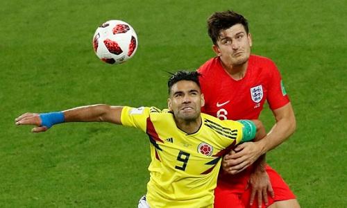 Các cầu thủ có thể bị chấn thương não khi chơi bóng bằng đầu. Ảnh: Reuters.