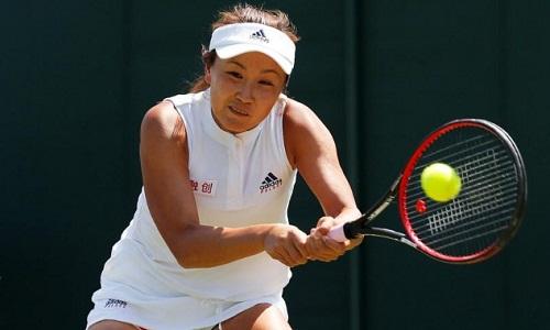 Peng bị cấm thi đấu 6 tháng và bị phạt 10.000 đôla. Ảnh: Reuters.