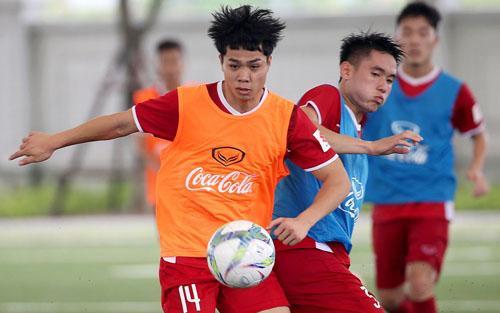 So về hiệu suất ghi bàn ở V-League, Công Phượng kém hơn so với Tiến Linh, Văn Đức, Quang Hải...