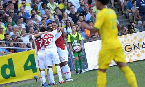 Monaco đại thắng nhờ ba bàn trong 14 phút - ảnh 1