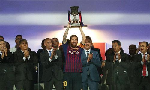 Messi có danh hiệu thứ 33 ở cấp CLB. Ảnh: Reuters