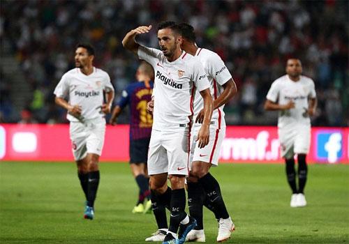 Sevilla mất một hồi lâu mới được công nhận bàn thắng.