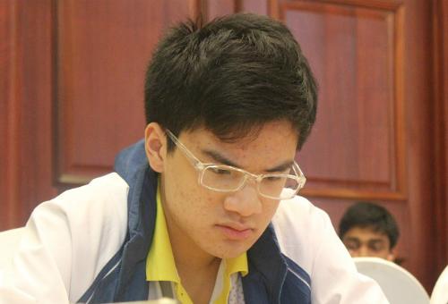 Anh Khôi thi đấu tốt ở giải cờ hàng đầu châu lục. Để được phong cấp Đại kiện tướng, anh cần đạt ba chuẩn và vươn tới Elo cao hơn 2.500. Ảnh: XB.