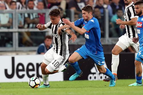 Juventus và Napoli mùa trước tạo nên cuộc đua tranh ngôi vô địch khốc liệt, gay cấn nhất châu Âu.