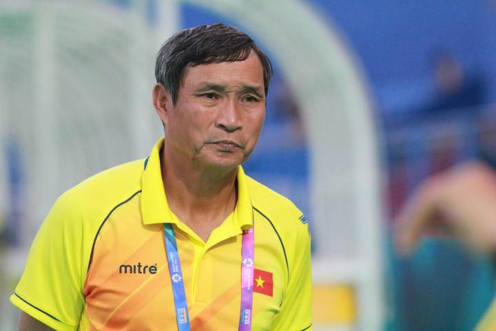 HLV Mai Đức Chung vốn rất có duyên với bóng đá nữ. Ông đã cùng đội tuyển ba lần vô địch SEA Games - trong đó lần gần nhất là năm 2017. Ảnh: Xuân Bình.