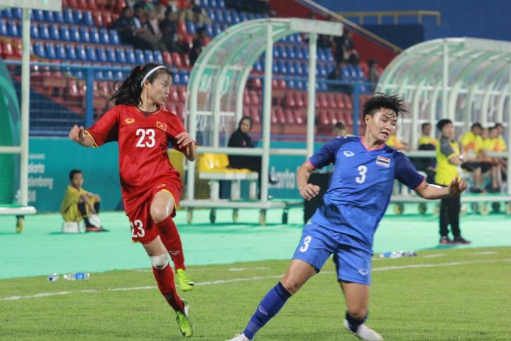 Phạm Hoàng Quỳnh (số 23) và đồng đội có thắng lợi xứng đáng trước Thái Lan. Nhiều cầu thủ trẻ lần đầu dự Asiad nhưng đã chơi tốt. Ảnh: Xuân Bình.