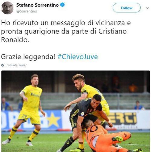 Sorrentino đăng tweet hài hước, cảm ơn Ronaldo vì tình huống va chạm.