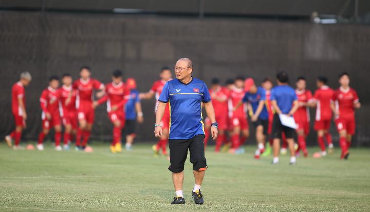 HLV Park Hang-seo và Việt Nam có thể làm nên cột mốc lịch sử ở Asiad. Ảnh: Đức Đồng.