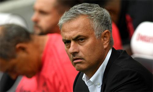 Man Utd đang trở thành một đề tài đàm tiếu, thay vì một biểu tượng bóng đá. Ảnh: Reuters
