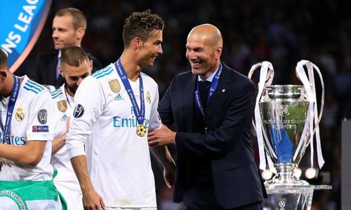 Zidane vẫn là ứng viên sáng giá thay thế Mourinho